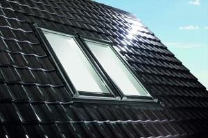 weltpremiere wohndachfenster roto designo r8 ne energieeffizienz f r morgen von roto dach. Black Bedroom Furniture Sets. Home Design Ideas